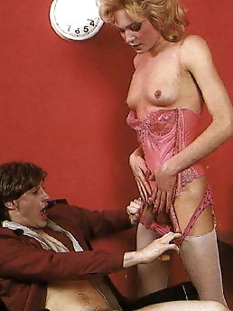 Blondie harlot is covered with semen