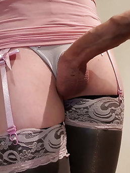 Blonde tranny girlfriend is getting undressed on picture